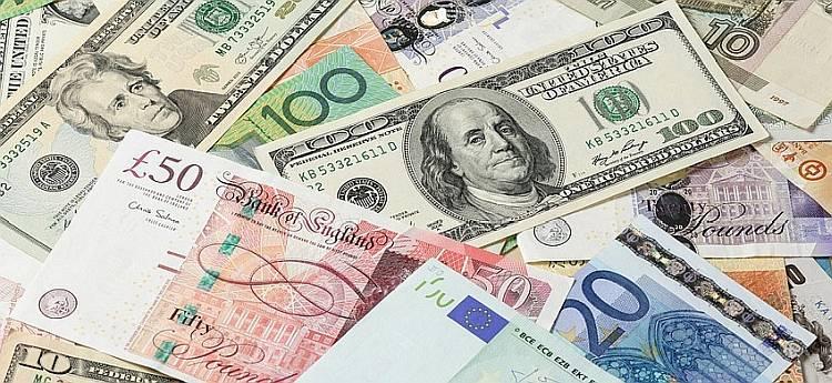 Kredyt w Polsce a praca za granicą